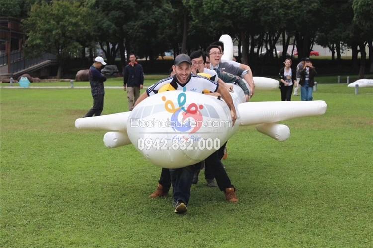 Máy bay bơm hơi teambuilding