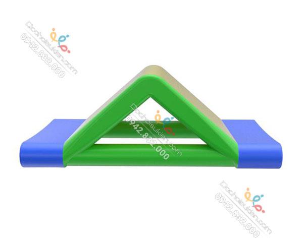 chướng ngại vật tam giác 2